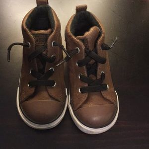 Converse leather toddler sneakers